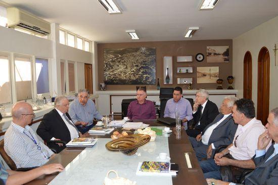 O prefeito e vice se reuniram com o presidente da Fiemg e com dirigentes regionais do órgão e do Sebrae