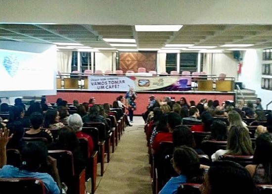 Flávia palestrou sobre educação e contemporaneidade