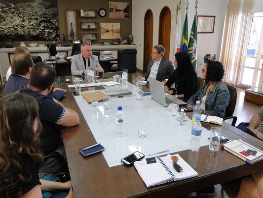 Prefeito recebeu organizadores do evento em seu gabinete, homologando apoio ao projeto