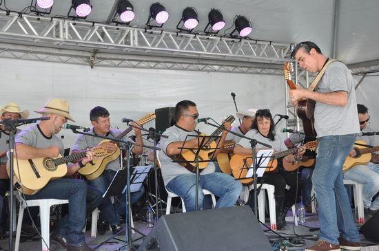 Orquestras de violeiros também estão na programação, que inclui ainda teatro, duplas sertanejas, forró e dança de quadrilha