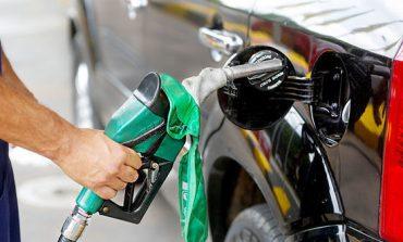 Preço da gasolina cai 4,49% em Poços em relação ao mês passado