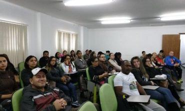Profissionais da educação integral participam de encontro