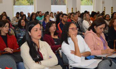 Conferência municipal debate elaboração do currículo escolar de Minas