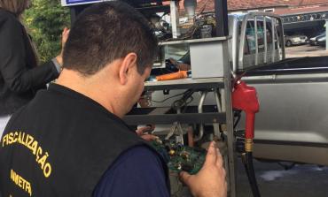 Procon e Ipem fiscalizam postos de combustíveis
