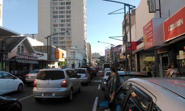 Rua Assis terá sistema de semáforos com onda verde
