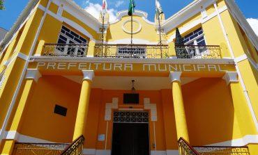 Apesar da crise, Prefeitura de Poços antecipa pagamento do 13º salário