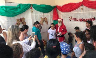 Crianças atendidas pela UBS Regional Leste ganham festa de Natal