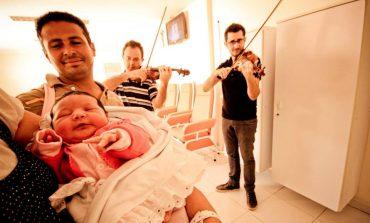 Hospital Santa Lúcia recebe apresentação do Música nas Montanhas
