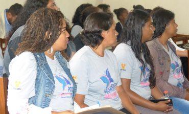 Programa Poços Promove Mulher forma primeira turma
