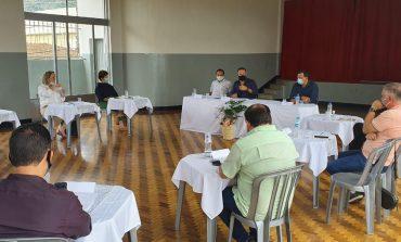 Prefeitos da região se reúnem para discutir medidas de enfrentamento à Covid-19