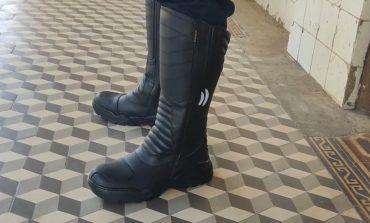 Guarda Civil Municipal recebe novas botas para motociclistas
