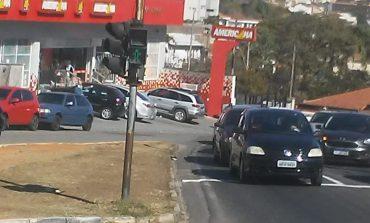 Sinalização para pedestre é melhorada na Avenida José Remígio Prezia