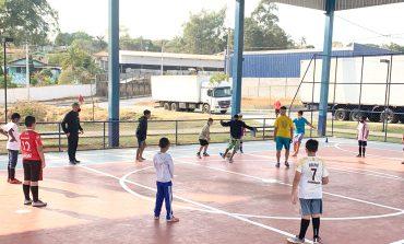CEU retoma aulas de futsal