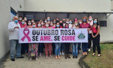 Unidades de saúde de Poços vestem a camisa do Outubro Rosa
