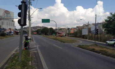 Sensores de controle de veículos são instalados em cruzamento da Av. José Remígio Prézia